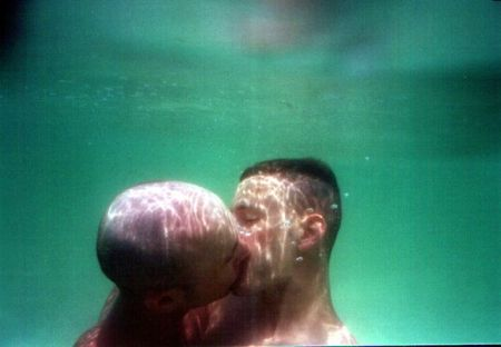 gay_couple_kiss_under_water.jpg